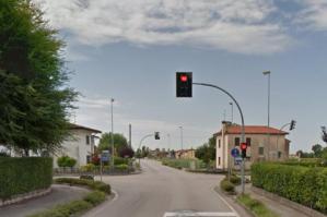 [Un nuovo semaforo per l'incrocio delle quattro strade]