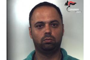 [In arresto un 38enne che bloccava il denaro in uscita dai bancomat]