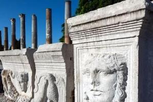 [Aquileia romana e cristiana, una visita guidata al Foro, al Porto e alla Basilica]