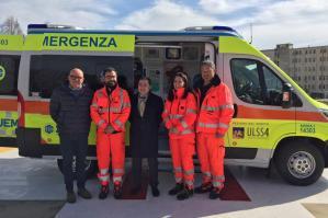 [All'ospedale di Portogruaro una nuova ambulanza]