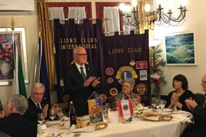 [Il Lions Club di Portogruaro festeggia il Natale inserendo un nuovo socio ]