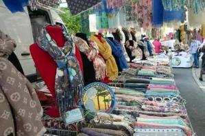 [Gli Ambulanti di Forte dei Marmi: oggi mercato in centro storico]