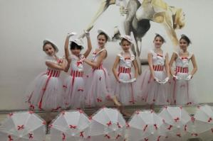 "[Dance Theatre School, il Gruppo Classico Junior a ""Danza in Fiera Firenze"" allo Junior Parade International]"