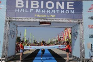 [Bibione Half Marathon, nel caldo vincono Konga e Tegegn]