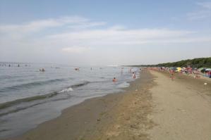 [Spiaggia della Brussa, domani la pulizia con i volontari di Legambiente]
