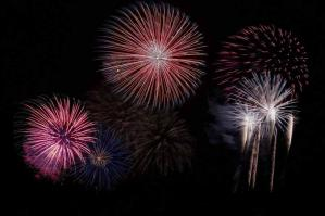 [I fuochi d�artificio danno il via all�estate di Bibione]