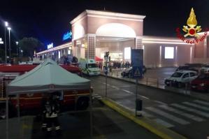 [Sostanza urticante al centro commerciale Adriatico 2, evacuati i presenti]