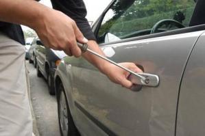 [Furti nelle auto in sosta: due arresti a Bibione]