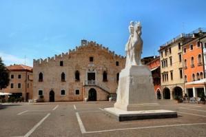 """[""""Piano Povertà"""" regionale, Portogruaro capofila per il Veneto Orientale]"""