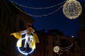 """[""""Bianche presenze"""", l'Accademia Creativa umbra incanta Portogruaro e apre gli eventi natalizi]"""