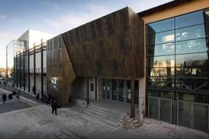 """[La Fenice Metropolitana di nuovo a Portogruaro con la proiezione de """"Il Barbiere di Siviglia""""]"""