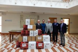 [Lions Club Caorle, 30 pacchi dono con generi alimentari per le famiglie in difficoltà]