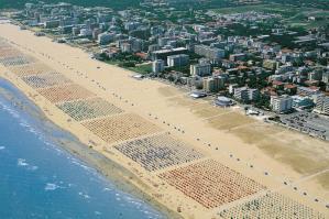 [Sicurezza alimentare, ambientale, del lavoro: controlli nelle strutture del litorale]