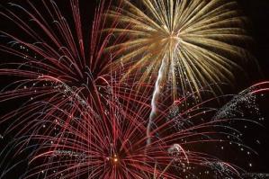 [I fuochi d'artificio danno il via all'estate di Bibione]