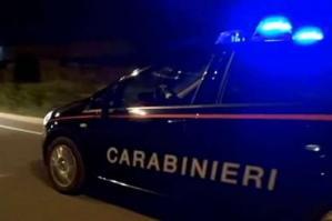[Ubriaco tenta di aggredire anche i carabinieri, arrestato]