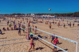 [Successo di pubblico e di partecipazione alla Mizuno Beach Volley Marathon]
