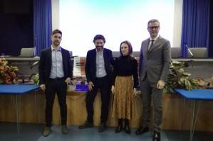 [Fake news: l'esperto Massimo Polidoro ha incontrato gli studenti dell'ISIS L. Da Vinci]