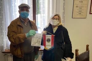 [Il Lions Club di Portogruaro dona mascherine all'IPAB Francescon]