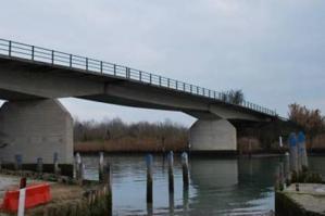 [Al via in autunno il risanamento del ponte sul canale Cavanella a Vallevecchia]