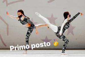 [Ballando online: successi per le ballerine della Dance Theatre School]