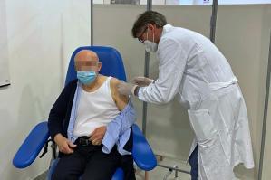 [Ulss4: adesione ai vaccini Covid elevata, ma contagi ancora in aumento]