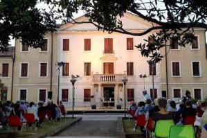 [A Fossalta la 26ª edizione di �Teatro in Villa� prepara un grande mese di agosto]