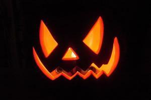 [Halloween: la festa �zuccona� degli �States� che fa ridere e vendere qualche birra in più]